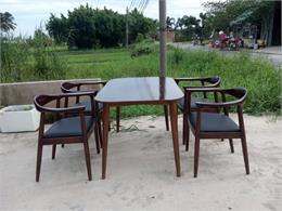 Có nên dùng bàn ghế ăn ngoài trời - những lưu ý khi mua!