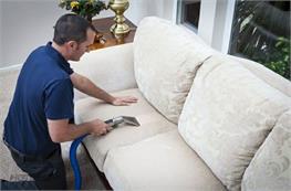 Hướng dẫn cách giặt ghế sofa vải nỉ tại nhà đơn giản hiệu quả