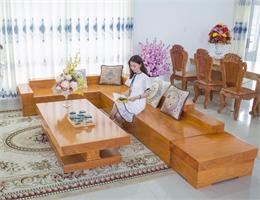 Kích thước sofa gỗ nguyên khối tiêu chuẩn là bao nhiêu?