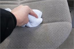 Lợi ích cực lớn khi thường xuyên vệ sinh ghế sofa